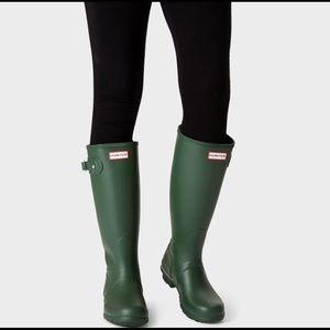 NWT Hunter Tall winter rain boots
